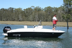 REVIEW: Bayliner Element F18