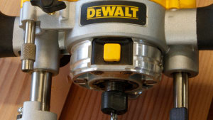 DeWalt D2620 Premium Small Router Kit