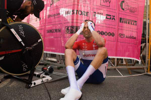 VIDEO: Flying Dutchman Tom Dumoulin In Pink After Lightning-Fast Time Trial