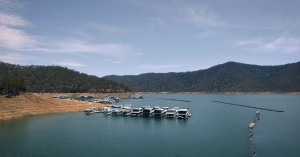 Lake Eildon houseboats in the clear on greywater