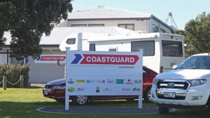 Missing yachties who issued mayday calls found safe and well in Bay of Plenty