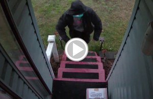 Man Rigs 12 Gauge Shotgun Shell Trap to Stop Package Thieves