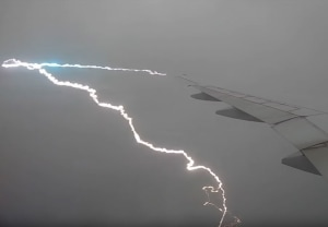 FRIDAY FLYING VIDEO: B777 Lightning Strike