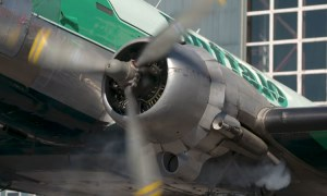 FRIDAY FLYING VIDEO: DC3 Start
