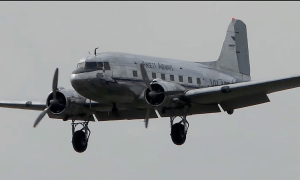 FRIDAY FLYING VIDEO: DC3 at Melbourne