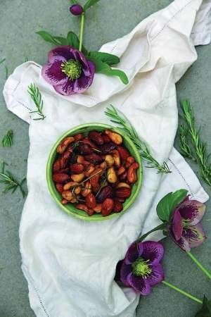 Recipe: Rosemary, olive oil and maple salted nuts