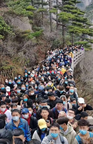 National park packed as Chinese tourists come out of lockdown