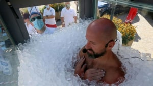 Austrian man in freezing 2.5hr record attempt