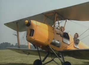 FRIDAY FLYING VIDEO: Fry and Laurie
