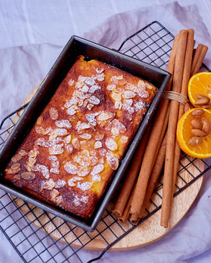 RECIPE: Peter Morgan-Jones' ginger, almond and mandarin slice