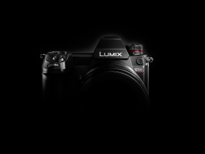 Panasonic full-frame mirrorless cameras announced