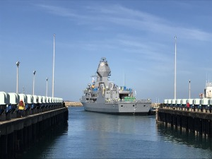 HMAS Arunta undocks after mast upgrade