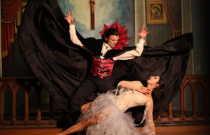 Excitement building for WA Ballet's 'Dracula'