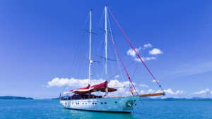 27.5m Orient Pearl listed for sale