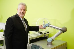 Cobot company boosts local leadership