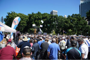Thousands protest against marine park lock-outs