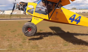 FRIDAY FLYING VIDEO: The Six-foot Take-off