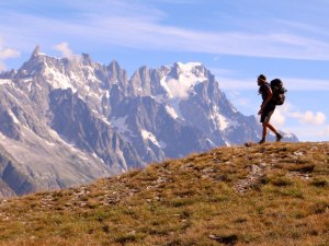 Video: Solo hiking Tour Du Mont Blanc