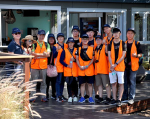 Overseas students tour White Bay 6