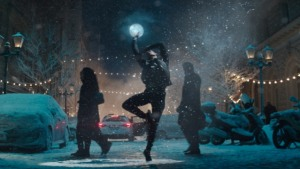 Apple shows off AirPods in enchanting holiday ad