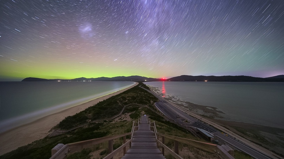 'The Neck' - Bruny Island: Star trail of Milkyway with Aurora © Luke Tscharke