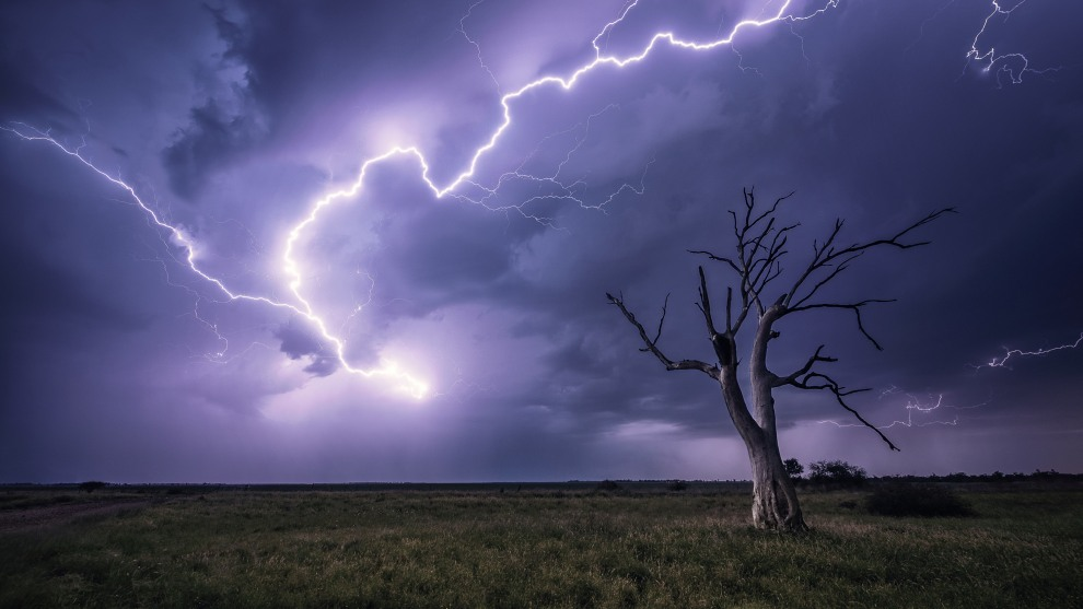 Goondiwindi, QLD. Chasing in the country is such a thrill but also a challenge. Finding compositions with a great point of interest is hard, but as you can see here, a simple dead tree and the right lightning can make for a powerful image. Nikon D850, 14-24mm f/2.8 lens @ 14mm, 30s @ f/5.6, ISO 250.