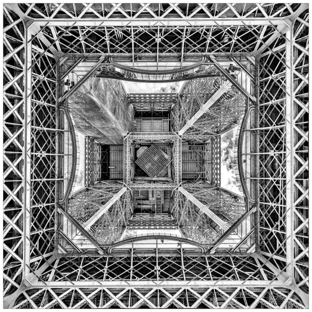Liz Barker, La Tour Eiffel, Winner, Places Category.