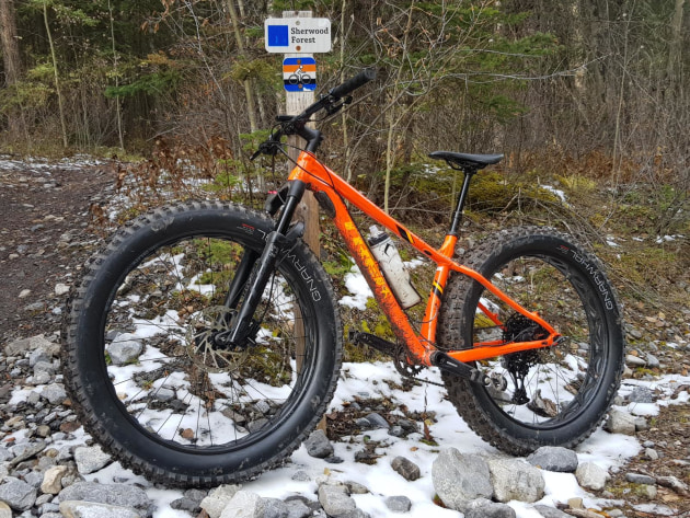 18-fat-bike-and-trail-sign-canmore-nordic-centre-canmore---hu.jpg