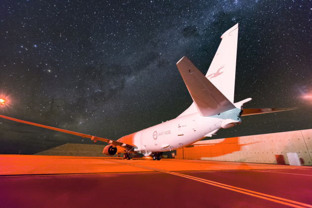 The spectacular Milky Way dominates the night sky as a No. 11 Squadron P-8A Poseidon sits on the hardstand at RAAF Base Learmonth. (Defence)