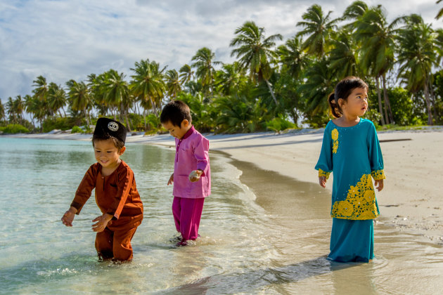 Cocos Malay children live an idylic lifestyle.