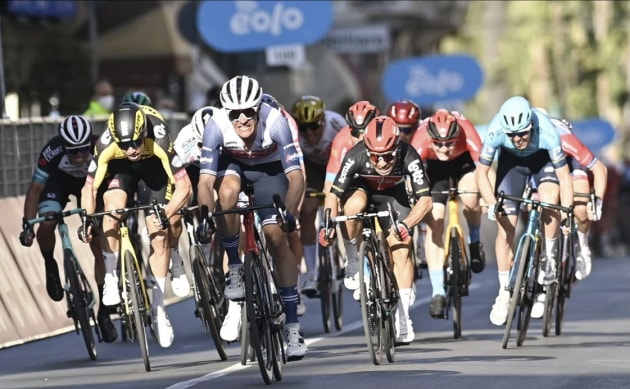 Jasper Stuyven hurtling toward the finish line of the 2021 Milan San Remo. Image: Lotto Soudal