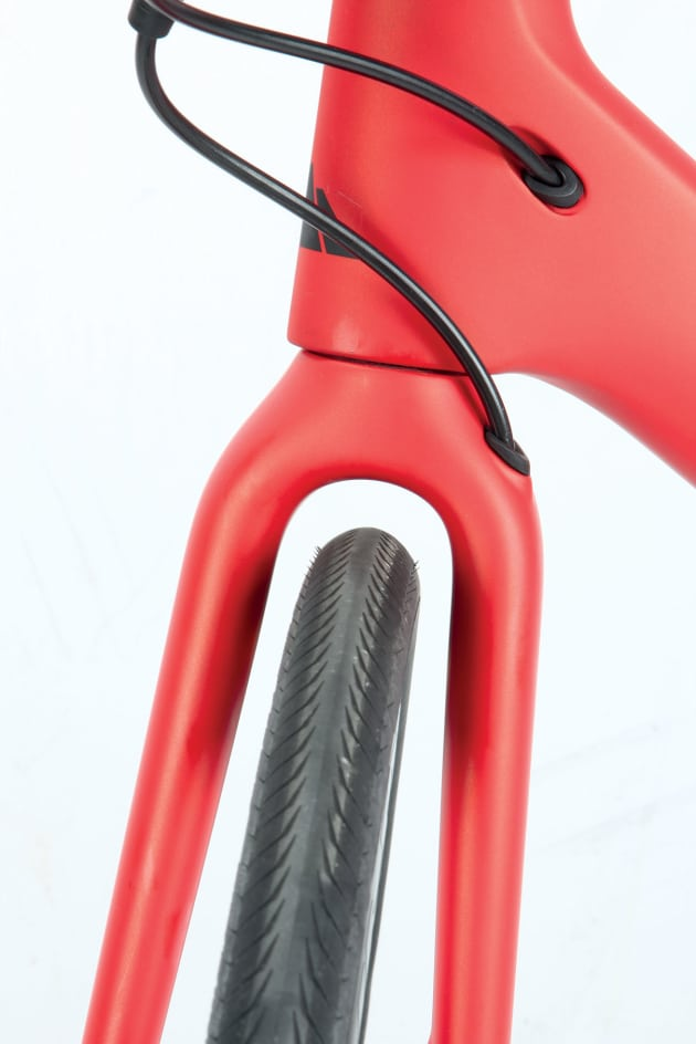Tyres up to 33mm across will fit in the frame and fork.