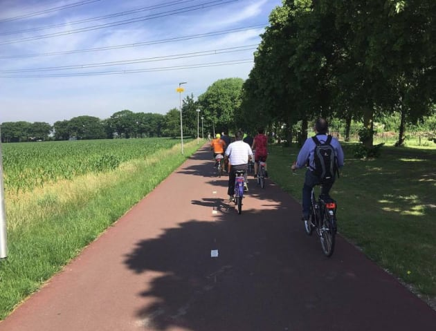 As well as building cycle lanes throughout their cities, the Dutch are now building a national network of high speed, longer distance cycle highways between each city. This newly built cycle highway runs from Nijmegen to Arnhem, a distance of about 14 kilometres.