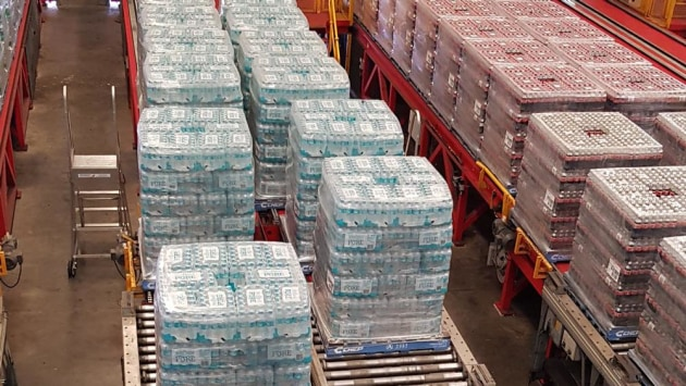 Coca-Cola Amatil has donated 10,400 cases of bottled water and Powerade to bushfire emergency crews.