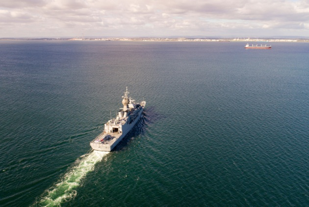 HMAS Stuart sails into Cockburn Sound, WA.