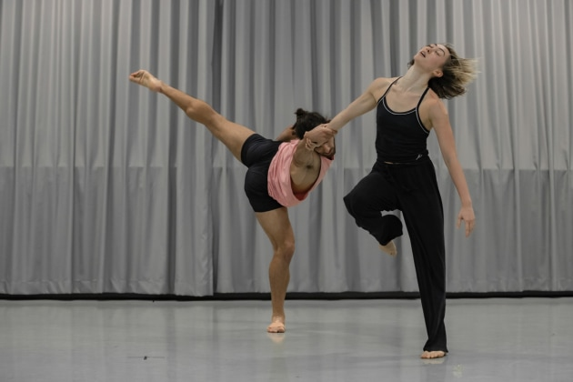 Dimitri Kleioris and Chloe Leong, rehearsal 'E2 7SD'. Photo, Pedro Greig