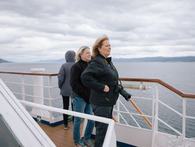 © Sam Edmonds. Tourists in Ushuaia, Argentina – gateway to Antarctica.
