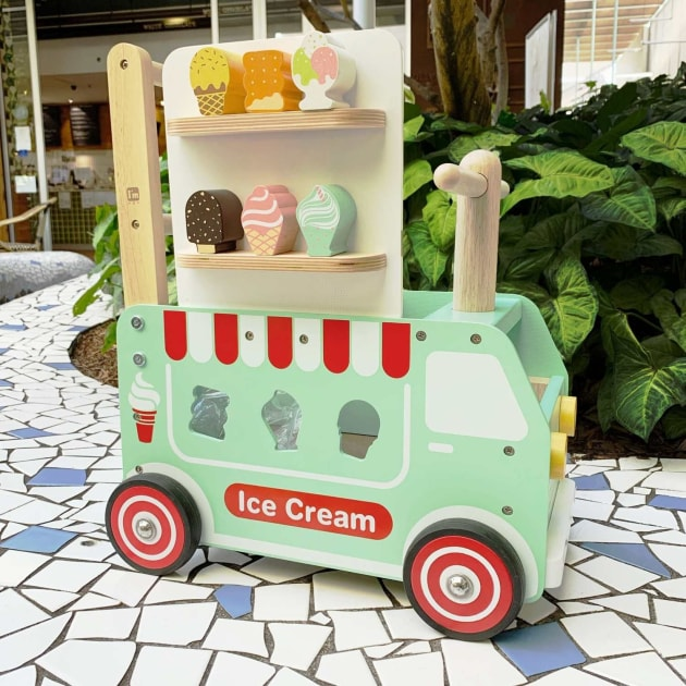 im-toy-ice-cream-truck-sorter-rideon.jpg