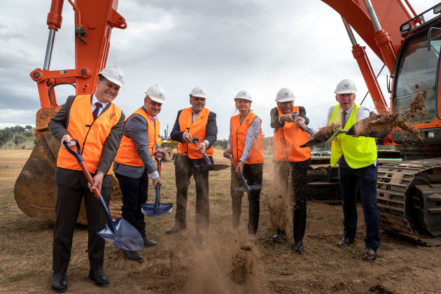 State member for Albury Justin Clancy, Asahi Beverage CEO Robert Iervasi, Cleanaway CEO Vik Bansal, Environment Minister Sussan Ley, Pact CEO Sanjay Saval, and Albury Mayor Kevin Mack turning the first sod on-site.