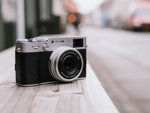 Fujifilm announces X100V