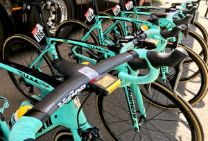 Team Car Tour: Lotto NL Jumbo Mechanic Shows Us What's In The Team Car