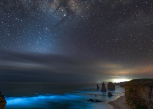 How I shot bioluminescence and the Milky Way together on the Great Ocean Road