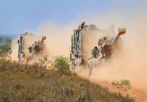 Government to consider howitzer acquisition strategy