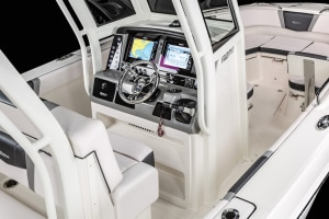 Simrad partners with Chaparral and Robalo