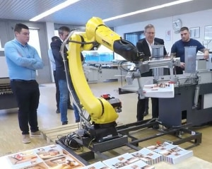 Heidelberg brings in robots and Push to Stop folding