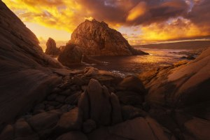 Behind the Lens: Unique angles at Sugarloaf Rock, WA