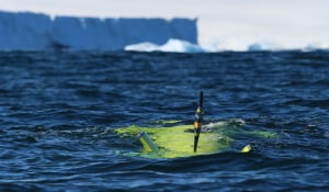 Australian AUV dives under Antarctic ice shelf