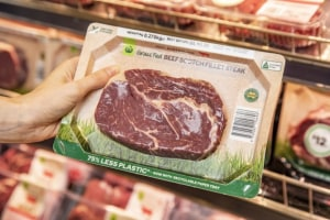 Woolworths introduces sustainable paper meat tray