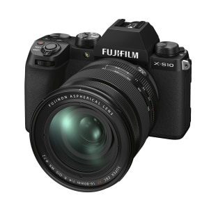 Review: Fujifilm X-S10