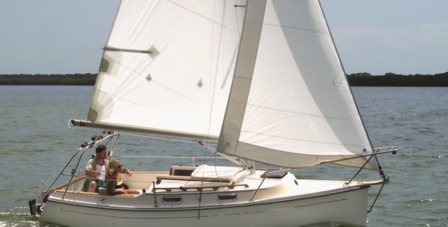 Blue Reef Yachts to distribute Com-Pac Yachts trailer sailer